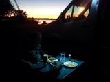 Eten bij zonsondergang