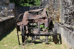 Oradour-sur-Glane, landbouwwerktuigen