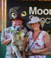 Frans en Margareth met Koala Vincent