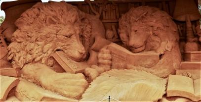 Zandsculptuur leeuwen