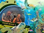 Frans en Margareth in een onderzeebootje