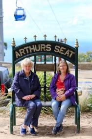 Anne en Margareth op Arthurs Seat